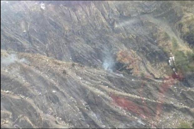 Immagini aereo Germanwings disintegrato Barcelonnette