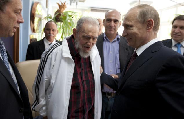 Fidel Castro è ancora vivo, il web commenta l'ennesimo annuncio falso