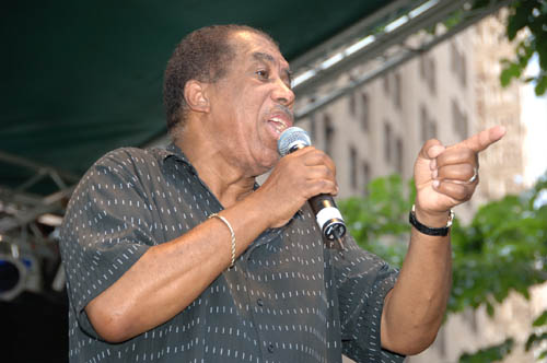 Ben_E_King_Performing_on_the_Final_Day_of_the_2006_Summerfest