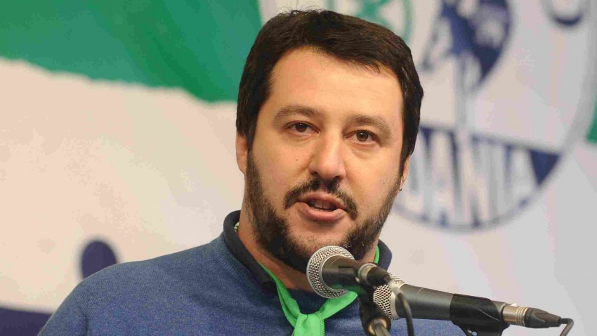 Centrodestra, mozione di sfiducia per Renzi