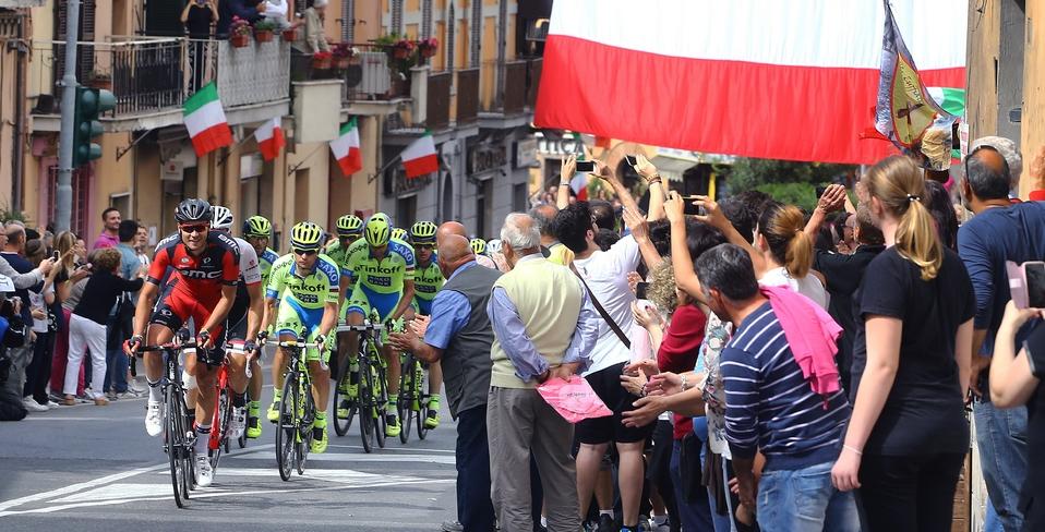 Giro d'Italia strade chiuse Civitanova Marche-Forlì