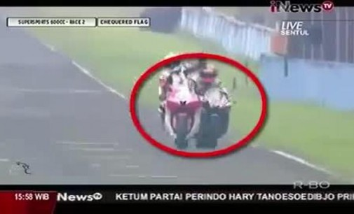 Scontro in pista: terribile incidente in Indonesia (VIDEO)