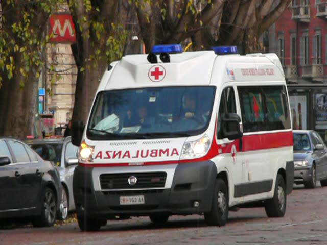 Ambulanza-in-ritardo-uomomuore-infarto