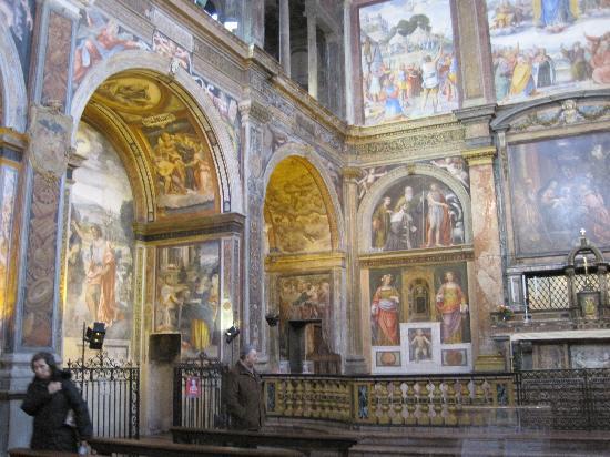 interno-della-chiesa fonte tripadvisor