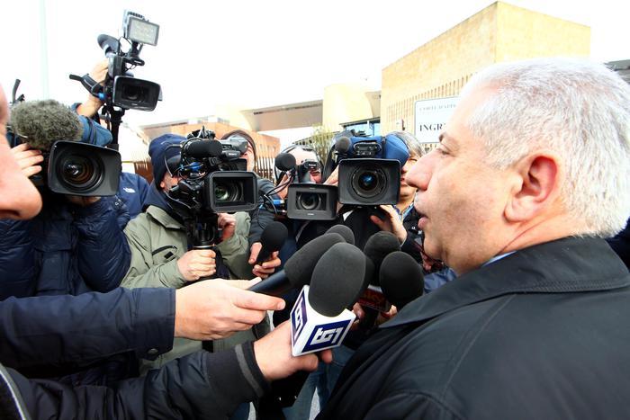 L'avvocato di Cosima Serrano Francesco De Jaco  si reca all'udienza per l'omicidio di Sarah Scazzi al tribunale di Taranto, 27 febbraio 2015, ANSA/RENATO INGENITO