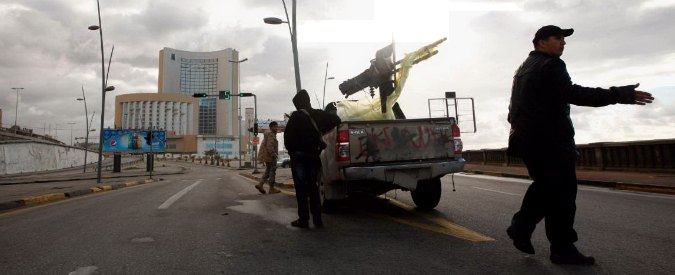 Libia-attacco-hotel-Tripoli-2-675