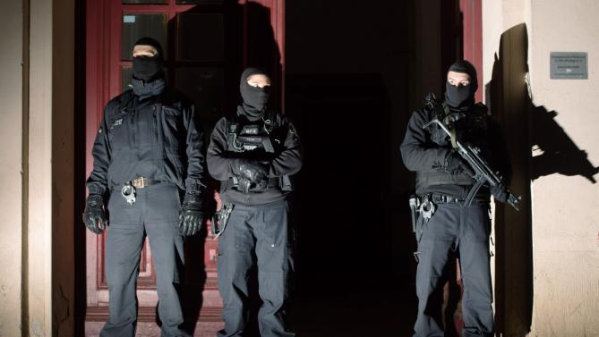 Blitz della Polizia tedesca (Fonte: news.yahoo.com)