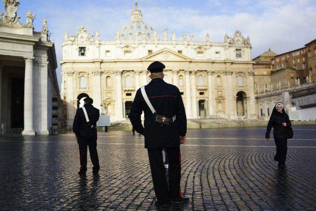 Carabinieri-a-San-Pietro-620x413