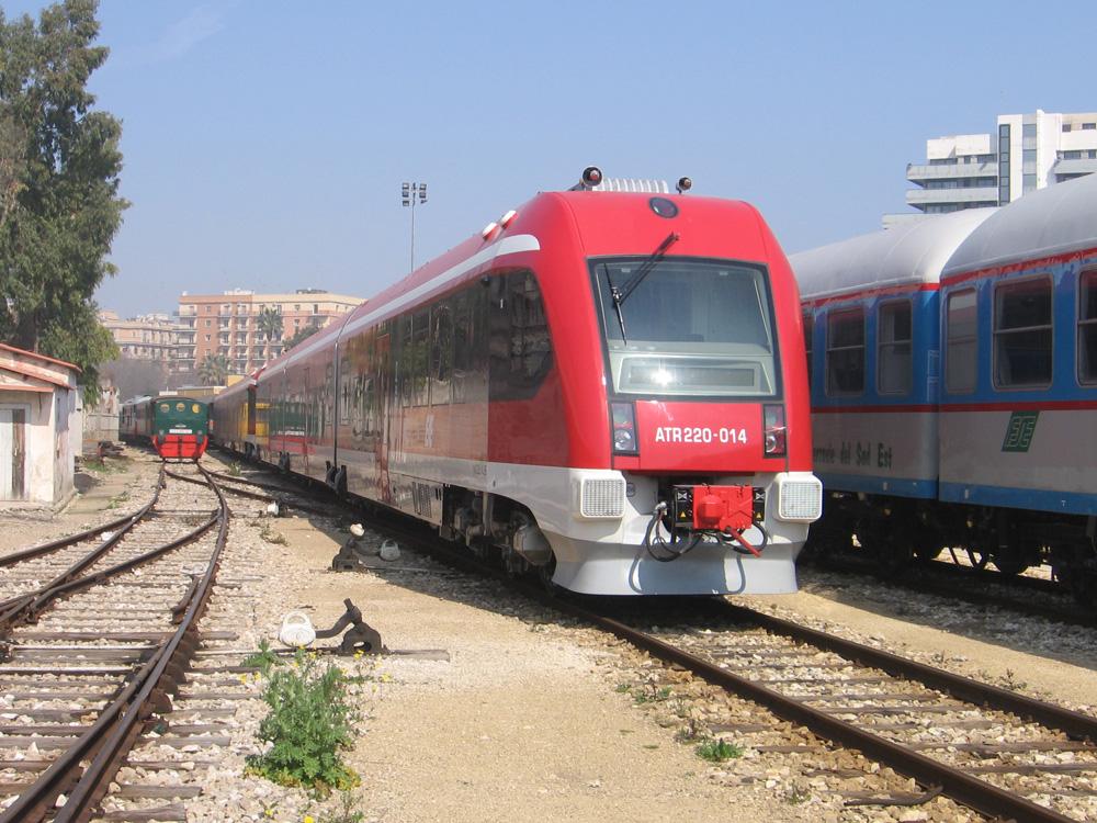Dipendenti Ferrovie Sud-Est senza stipendio