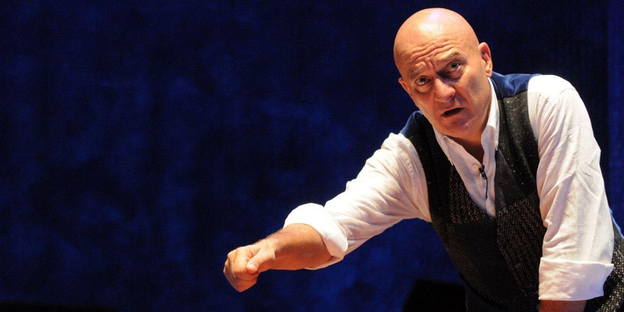Father and son, Claudio Bisio torna sul palco