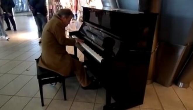Pianoforte-Stazione-Napoli-Centrale-660x375