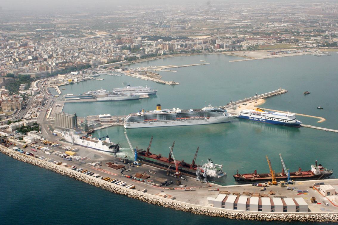 Terroristi sbarcati a Bari nel 2008