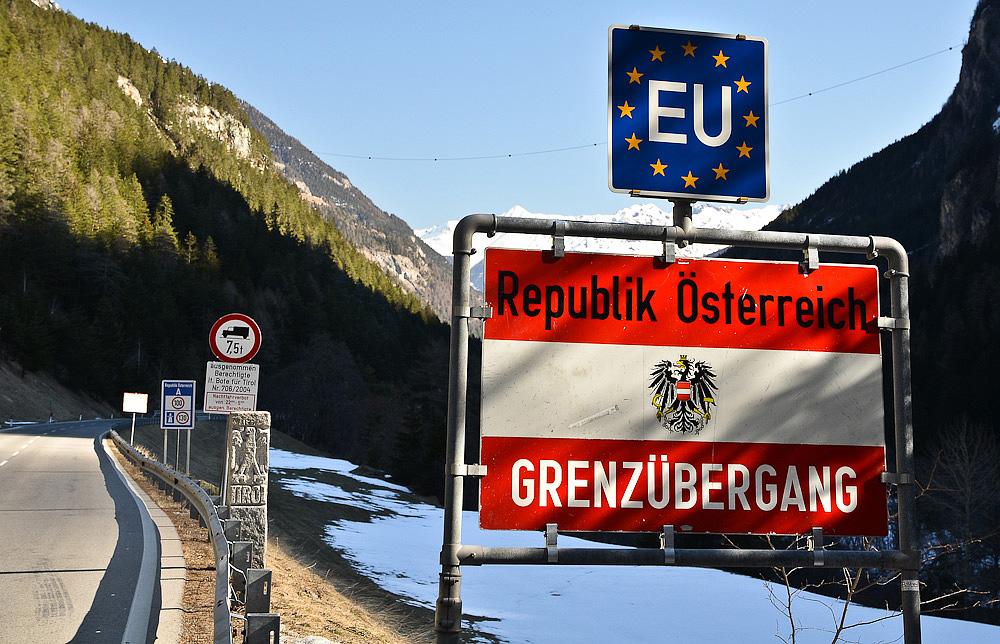Austria, bloccato temporaneamente Schengen