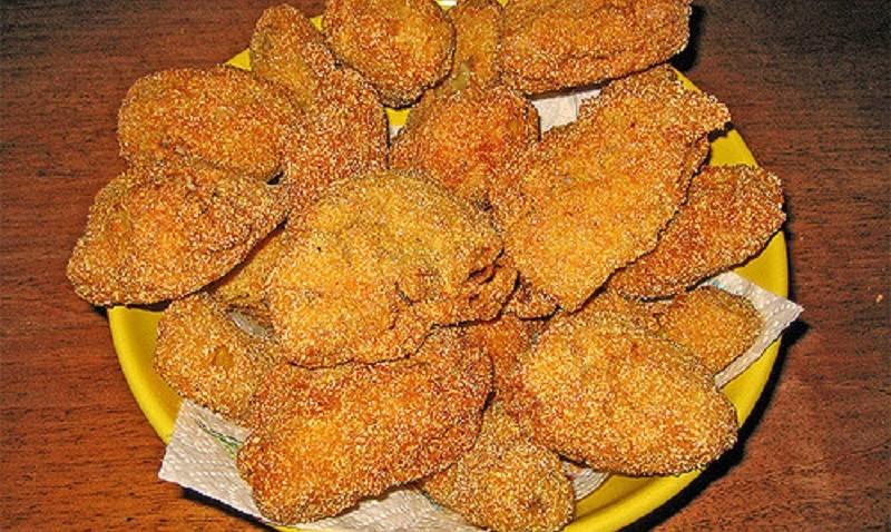 Compra pollo fritto da Kfc: mentre lo mangia, fa una scoperta disgustosa
