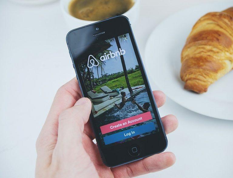 Contattare Airbnb