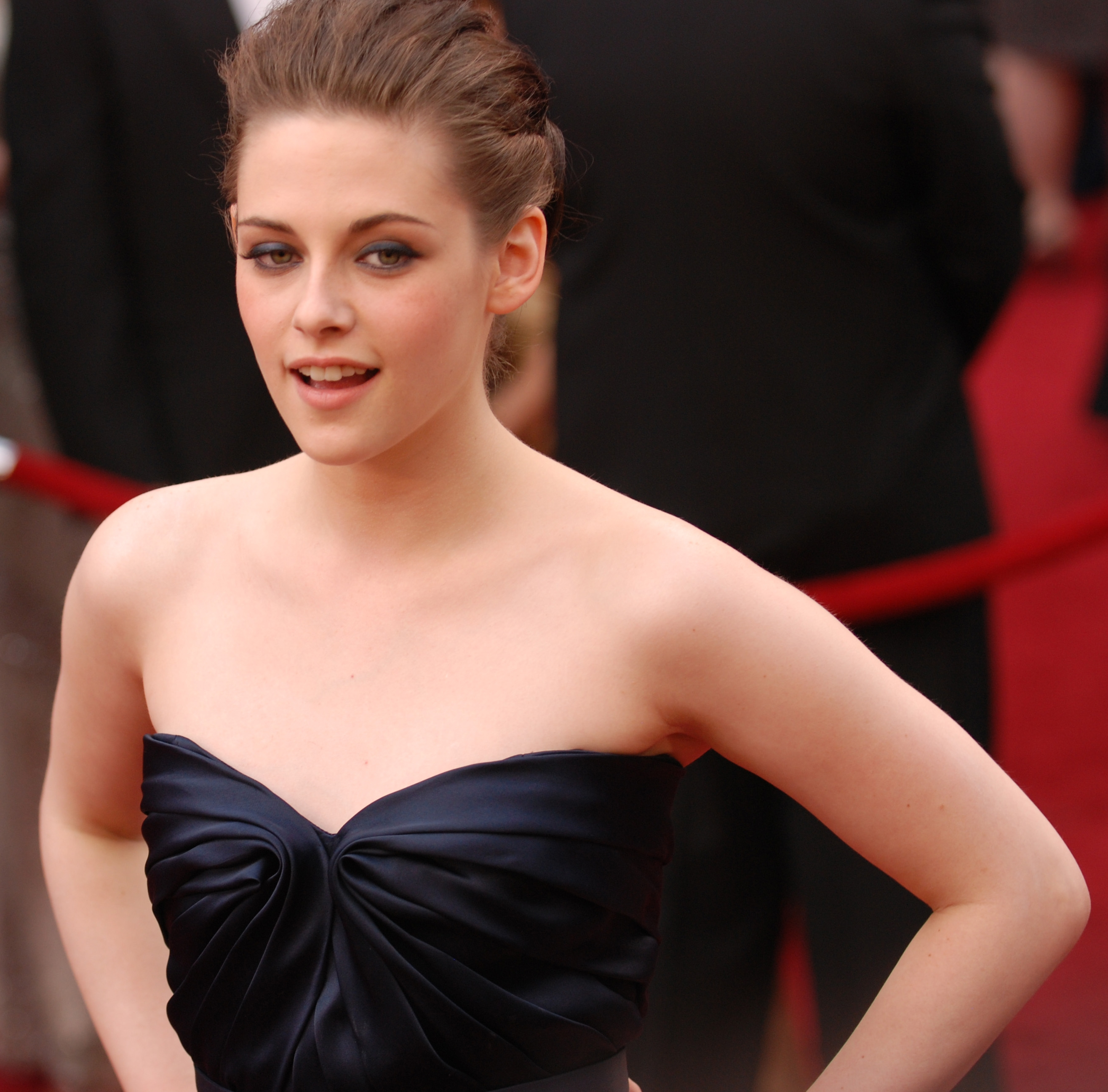 "Kristen Stewart of ""Twilight"" fame plays on the vampire mystique at the 82nd Academy Awards March 7, 2010 in Hollywood."