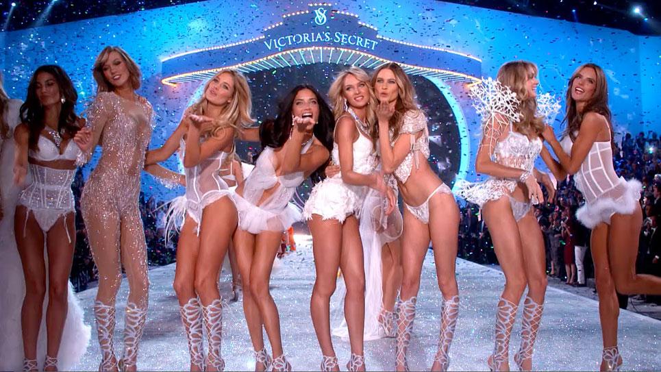 Quanto è alta modella intimo sfilata Victoria's Secret