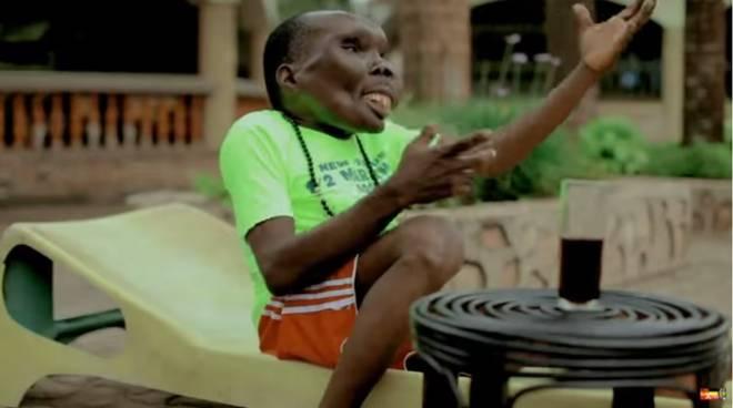 L'uomo più brutto d'Uganda diventa padre per l'ottava volta.