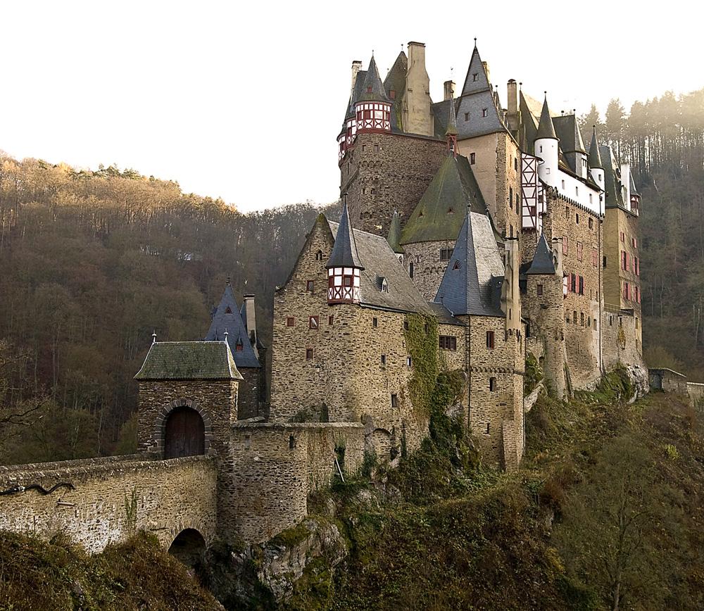 Curiosità: Perché nel Medioevo le case avevano finestre piccole?