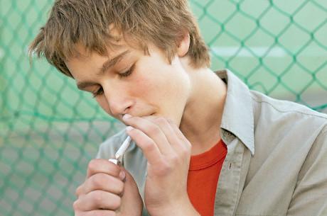 La scienza dietro l'abuso di sostanze dei ragazzi