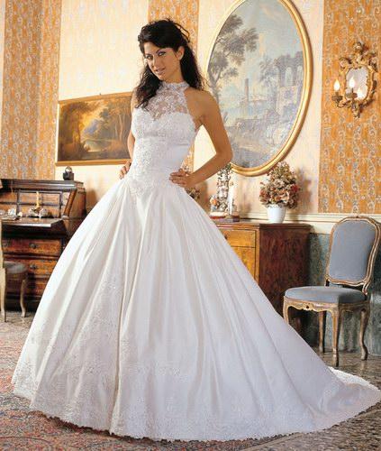 81751125a53b Sebbene le spose moderne siano libere di scegliere qualsiasi colore per l  abito  da sposa che desiderano