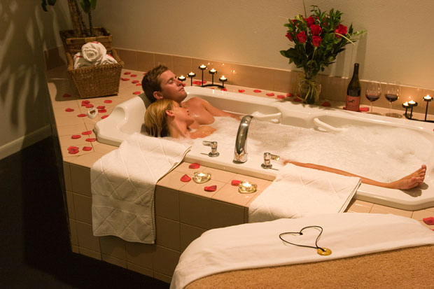 come festeggiare san valentino romantico in casa - notizie.it - Bagno Romantico San Valentino