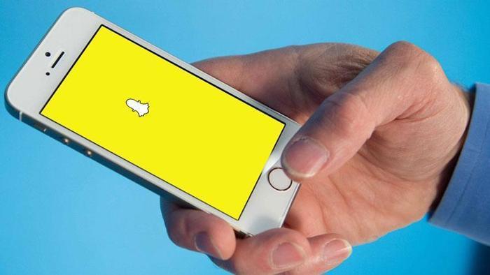 Come utilizzare Snapchat: upload foto, screenshot e amici