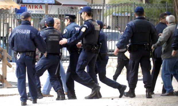 Grecia, arrestato ex commissario Alba Dorata