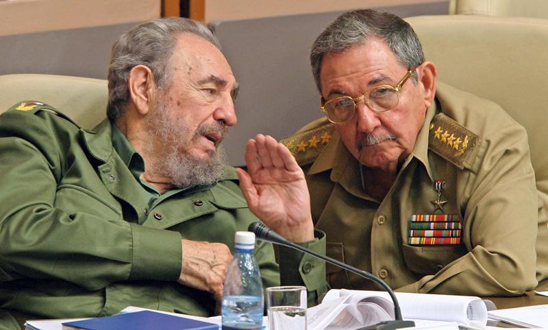 Fidel Castro ritorna in Parlamento