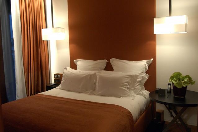 Camera da letto perfetta 7 cose da non avere nella stanza in cui si dorme - Posizione letto feng shui ...