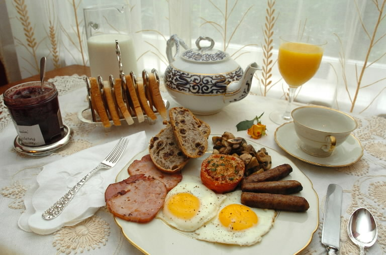 Come servire una tradizionale colazione irlandese for Casa tradizionale islandese