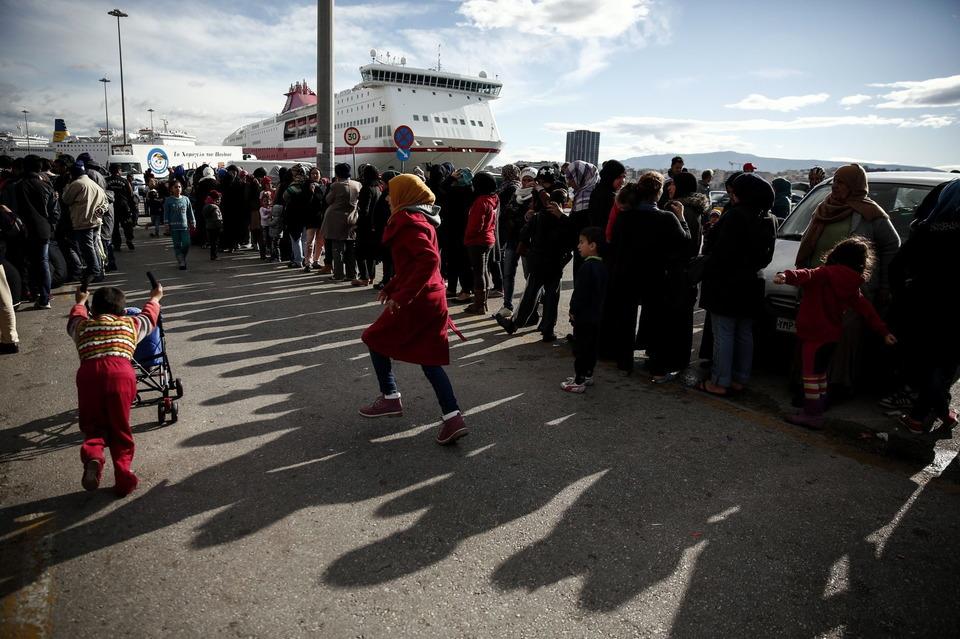 Migranti, avviata l'operazione per il rimpatrio in Turchia