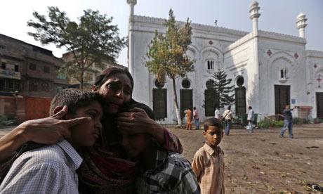 Pakistan: due kamikaze legati ad Al Qaida si fanno esplodere in chiesa