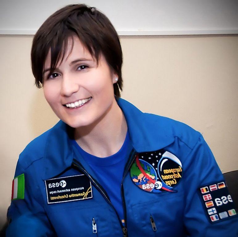 Chi è Samantha Cristoforetti, prima donna nello spazio?