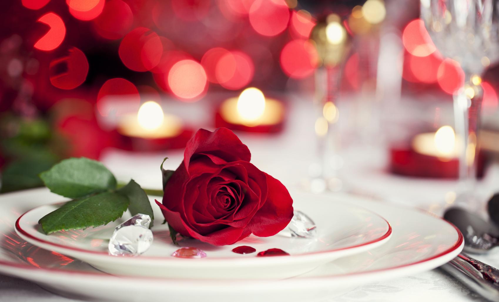apparecchiare tavola romantica san valentino