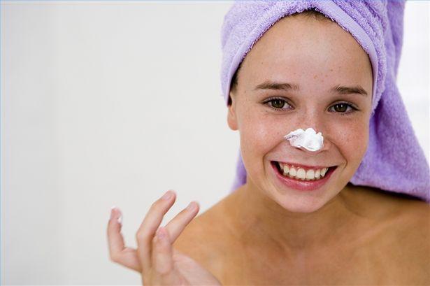 Come fare un detergente facciale delicato