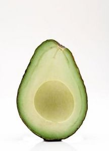 Come fare una maschera nutriente con avocado e miele