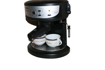 Come pulire la macchina del caffé con aceto
