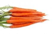 Come congelare le carote e il sedano crudi