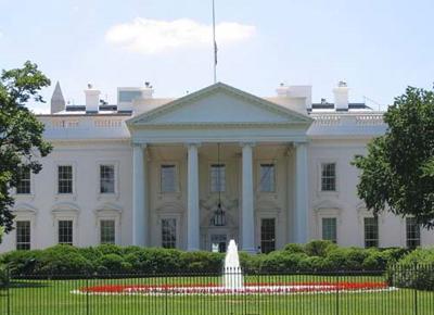 USA, donna cerca di entrare in auto nella Casa Bianca