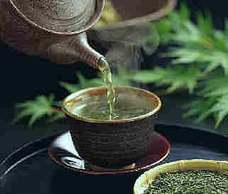 Un'occhiata alla quantità di caffeina nel tè verde