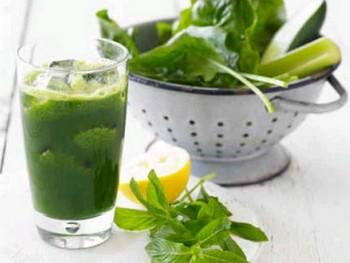 Ricette: frullato di cavolo verde e spinaci