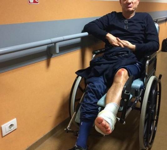 Incidente in moto per Claudio Bisio: