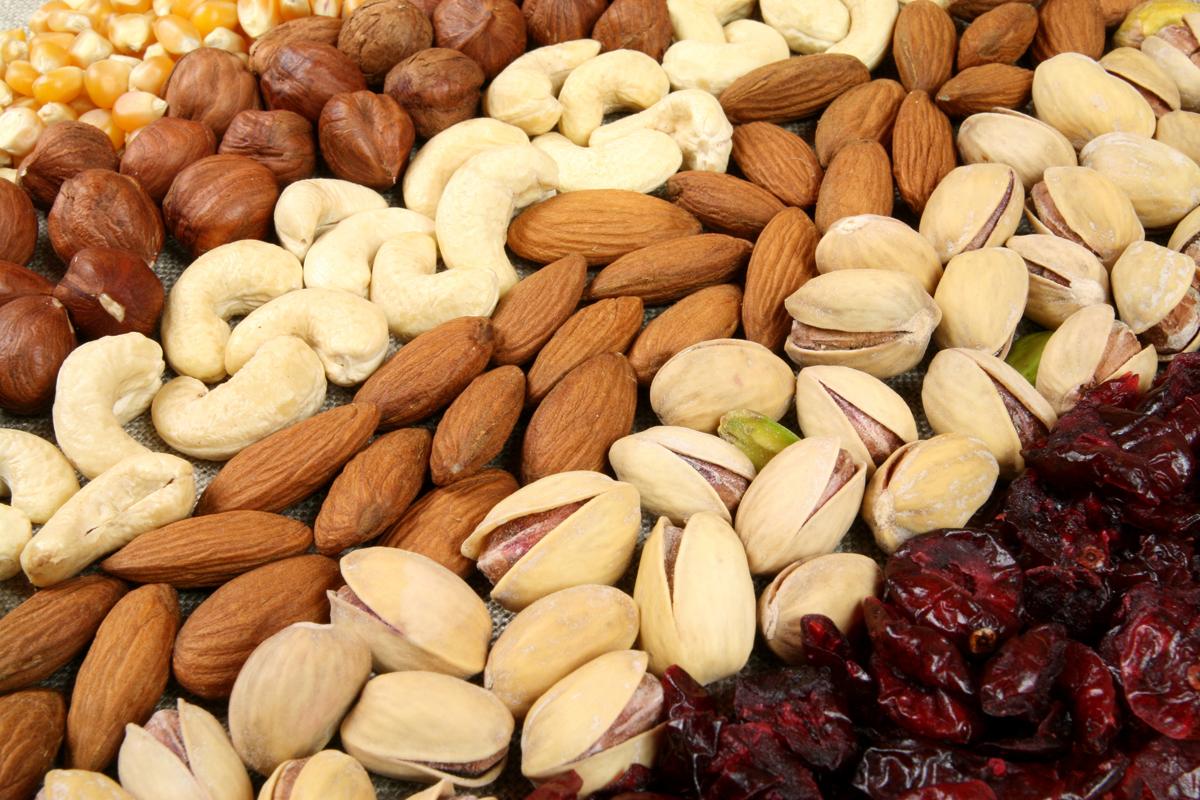 Dieta della frutta secca: la migliore per il cambio di stagione
