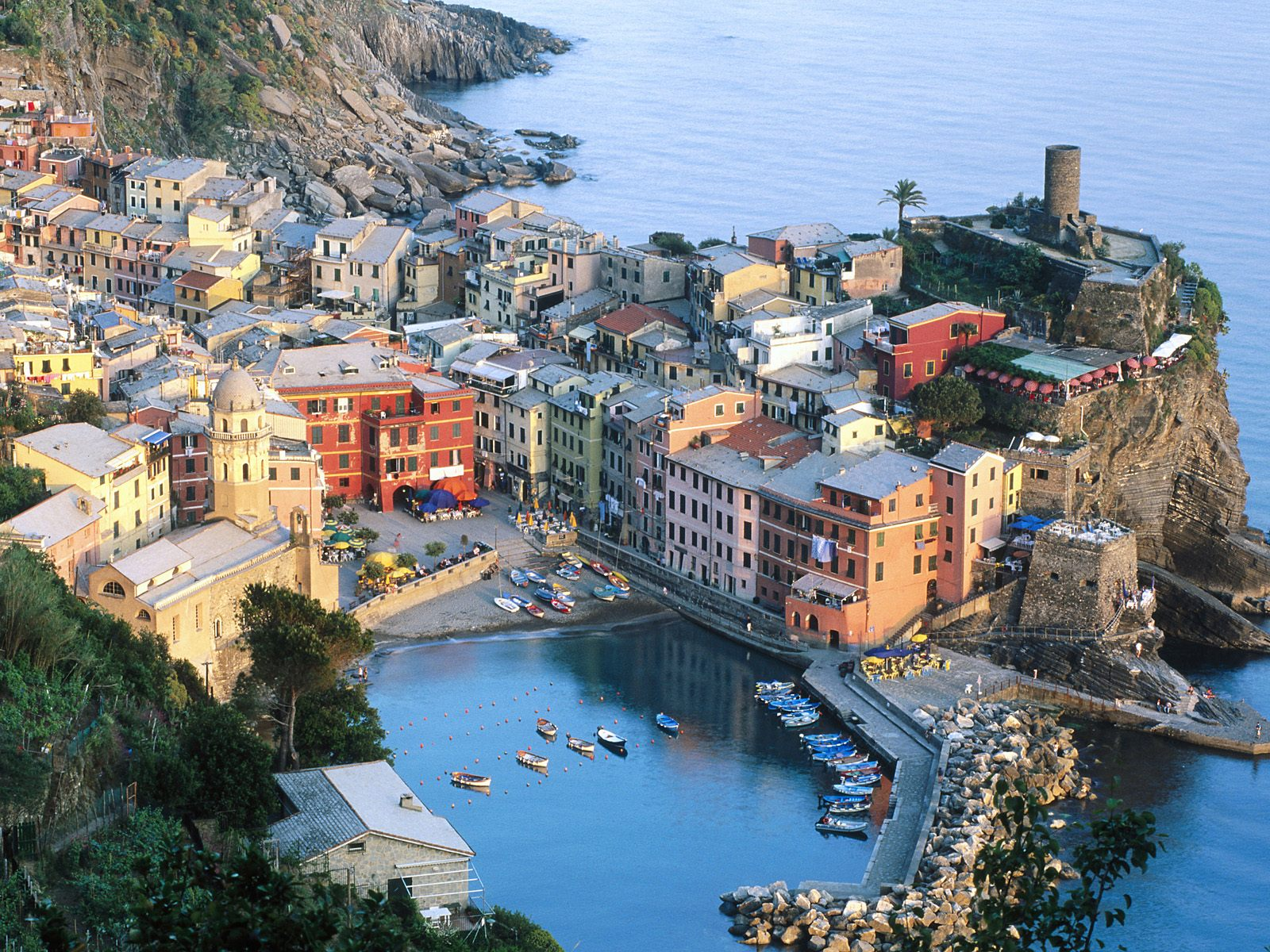 Si può fare il bagno in Liguria a Giugno?