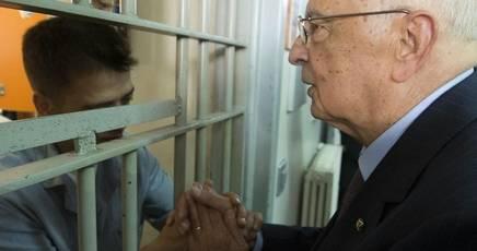 Perché il Governo vuole l'indulto o l'amnistia