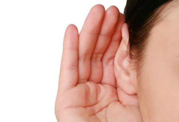 Risultati immagini per orecchie che ascoltano