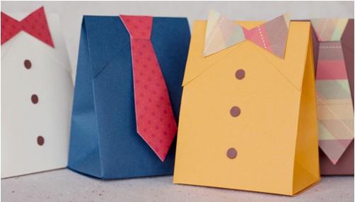 Come fare pacchetto regalo a forma di cravatta per Natale