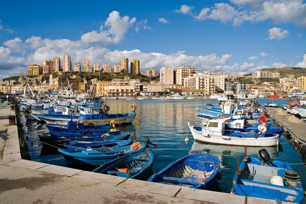 Dove si trova Porto Empedocle
