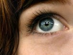Come togliere in modo sicuro qualcosa dagli occhi